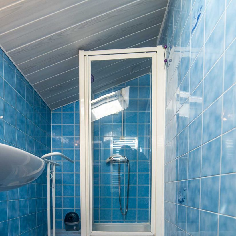 location-loctudy.net - Photo salle de bain - douche