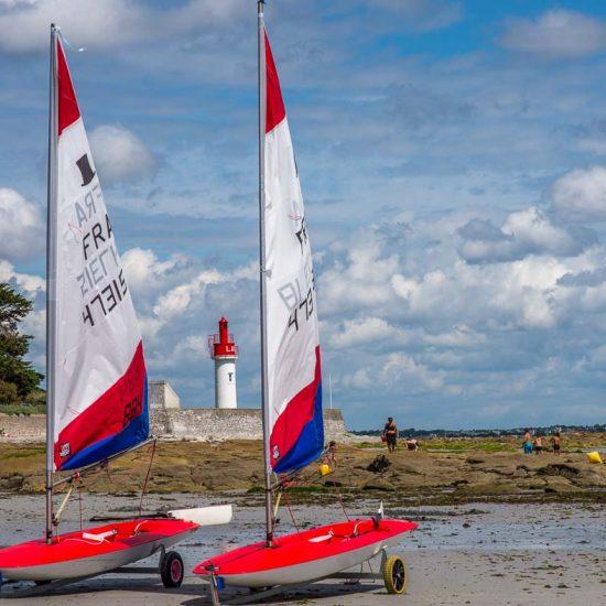 Location-loctudy cercle nautique phare de Langoz entre deux Toppers