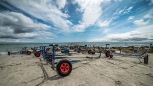 Location-Loctudy cercle nautique chariots sur la plage